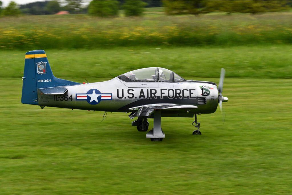 Tomahawk T-28 Trojan RC Warbird